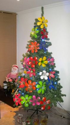 my christmas tree Coke Bottle Crafts, Water Bottle Crafts, Plastic Bottle Flowers, Plastic Bottle Crafts, Plastic Bottles, Recycled Christmas Decorations, Xmas Decorations, Christmas Crafts, Christmas Ornaments