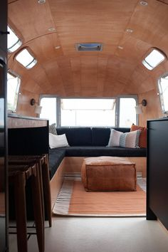 Most up-to-date Images Airstream Interior lighting Thoughts There are lots of folks who appreciate journeying nevertheless don't like paying out his or her cash lodge rooms. Airstream Remodel, Airstream Renovation, Airstream Interior, Vintage Airstream, Airstream Trailers, Trailer Remodel, Vintage Trailers, Vintage Campers, Travel Trailers