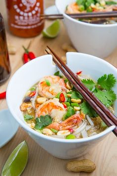 Thai Soup Pad Thai Soup - just right for this frosty weather. Moussa-Mann Moussa-Mann (Closet Cooking)Pad Thai Soup - just right for this frosty weather. Comidas Paleo, Soup Recipes, Cooking Recipes, Seafood Recipes, Drink Recipes, Asian Recipes, Healthy Recipes, Thai Soup, Asian Soup