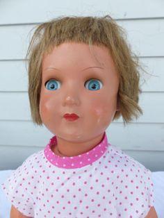 Schildkroet-Puppe-46-Maedchen-mit-Haaren-und-beweglichen-Augen