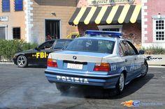 198/221   Photo du stunt show, Scuola di Polizia situé à Mirabilandia (Italie). Plus d'information sur notre site http://www.e-coasters.com !! Tous les meilleurs Parcs d'Attractions sur un seul site web !! Découvrez également nos vidéos du show à ces adresses : http://youtu.be/DB4UCC9a3J0 & http://youtu.be/4F9wptkq8Uc