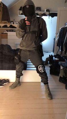 b daddywhip Set Fashion, Dark Fashion, Urban Fashion, Fashion Outfits, Moda Cyberpunk, Cyberpunk Fashion, Moda Streetwear, Streetwear Fashion, Urbane Mode