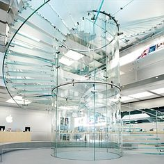 Self-Supporting Spiral Glass Staircase in New York Apple Store