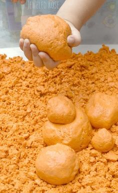 Homemade Pumpkin Moon Sand Recipe perfect for Fall. Moon sand has such a FUN & unique texture. It is sand-like but soft and squishy. It can be molded and holds it's shape really well but also has an OOZE to it. (Kids LOVE this stuff! Autumn Activities, Sensory Activities, Sensory Play, Activities For Kids, Sensory Table, Sensory Bins, Indoor Activities, Group Activities, Kindergarten Sensory