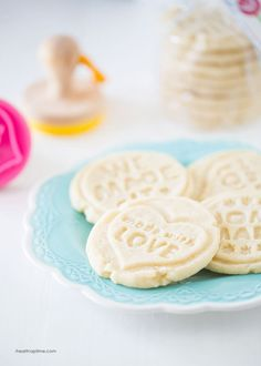 Stamped shortbread cookies -use this recipe to make cut out, pressed or stamped shortbread cookies. These cookies are so easy to make with only 4 ingredients, melt in your mouth, and turn out beautiful every time. Click through for recipe! Sugar Cookie Recipie, Easy Sugar Cookies, Cut Out Cookies, How To Make Cookies, No Bake Cookies, Cupcake Cookies, Cookies Et Biscuits, Cookie Recipes, Dessert Recipes