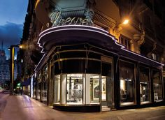 Tienda Loewe Madrid. Calle Gran Vía 8, 28013, Madrid