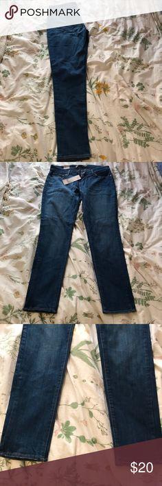 Levi's Demi Curve Size 8 SkinnyJeans NEVER WORN NEVER WORN Size 8/29 Skinny Jeans from Levi Store in Demi Curve Levi's Jeans Skinny