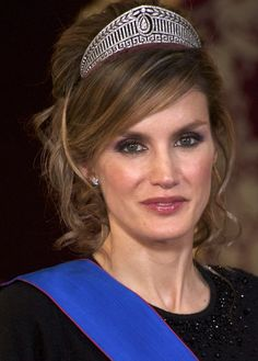 Queen Letizia of Spain Photos Photos - Spanish Royals Receive President of Chile - Gala Dinner - Zimbio
