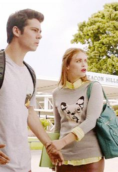 Stiles ( acteur : Dylan O'Brien ) & Lydia ( acteur : Holland Roden)