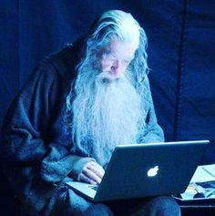 """""""Agora vamos fazer uns posts legais para o blog."""" - Gandalf.  Planejando o lançamento do meu blog pessoal e a atualização para 2017 do Blog Carpe Diem!  #Blogueiro ##AmplieSeusHorizontes #CoachWellingtonWanderley #blog"""