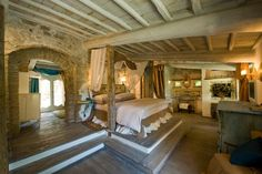 Hotelito Lupaia, a cozy and cheery hotelito, set in the heart of Tuscany.