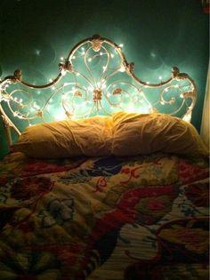 The Use of Decorative Fairy Lights in Home Interior Decor Design Girls Bedroom, Dream Bedroom, Home Bedroom, Bedroom Decor, Bedrooms, Bedroom Ideas, Bedroom Designs, Bedroom Inspiration, Master Bedroom