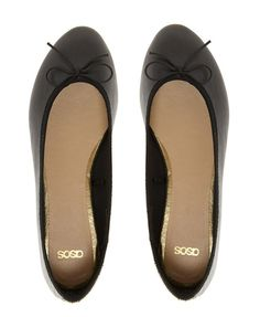 Black Ballet Flats With Low-cut Uppers