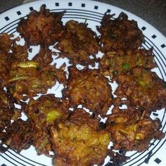 Onion & Cabbage Pakora – TasteBuds Eat Happy, Iftar, Spice Mixes, Tandoori Chicken, Ramadan, Onion, Fries, Vegetarian Recipes, Cabbage