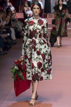 Défilé Dolce & Gabbana Automne-Hiver 2015-2016 76 - надо смотреть как сядет