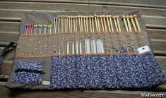 Discover recipes, home ideas, style inspiration and other ideas to try. Diy Knitting Needle Case, Diy Knitting Needles, Easy Knitting Patterns, Free Knitting, Sewing Hacks, Sewing Projects, Couture Main, Denim Crafts, Creation Couture