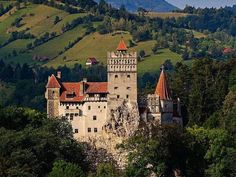 Bran Castle Also known as Dracula's Castle, the Bran Castle can be found in Bran, in close proximity to the important city of Brasov. Transylvania Dracula Castle, Transylvania Romania, Peles Castle, Medieval Castle, Medieval Fortress, Bran Castle Romania, Eastern Travel, Eastern Europe, Vlad The Impaler