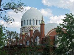 Recently restored Cincinnati Zoo Elephant House
