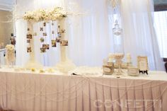 30th anniversary = Pearl wedding Here is reception desk. **See more pixs here: http://www.confetti.vn/khach-hang/30th-anniversary/