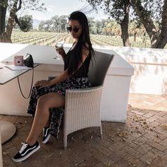 "🇿🇦Lifstyle🇿🇦Beauty🇿🇦Fashion🇿🇦 on Instagram: ""Siri, fetch my wine plz"" Siri, Fashion Beauty, Photo And Video, Instagram"