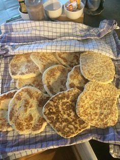 Tradisjonsrik Tjukklefse fra Trøndelag etter oppskrift fra min mor. Christmas 2019, Food And Drink, Sweets, Cookies, Baking, Breakfast, Cake, Biscuits, Morning Coffee