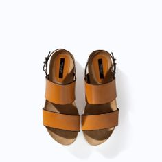 FLAT LEATHER SANDAL WITH TRACK SOLE from Zara