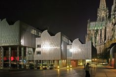 Museum Ludwig at night with the Cologne cathedral as a backdrop. Museum Ludwig is home to one of Europe's largest Picasso collections. Museum Ludwig, Great Works Of Art, Cologne Germany, Airport Hotel, Jasper Johns, Exterior, Restaurant, Dom, Andy Warhol