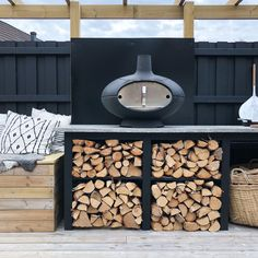 Outdoor Rooms, Outdoor Dining, Outdoor Tables, Outdoor Kitchen Bars, Patio Kitchen, Rustic Kitchen Design, Outdoor Kitchen Design, Outdoor Island, Bbq Cover