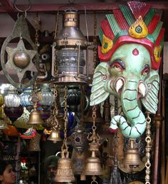 8 Delhi Markets for Fabulous Shopping: Janpath and Tibetan Market