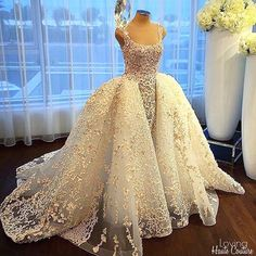 Wedding Gown by @aliyounescouture