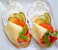 The Traditional Czech Treat Known As Chlebíčky Czech Recipes, Ethnic Recipes, Food Platters, Canapes, Healthy Recipes, Healthy Meals, Charcuterie, Afternoon Tea, Panna Cotta