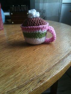 Crocheted hot chocolat