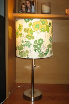 31 diy: Tutorial: How to recover a lampshade with fabric