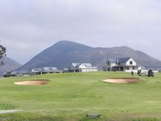 Surrounded by the rolling Langeberg mountains in the Breede River Valley and bordered by vineyards and orchards, the new 18-hole Robertson golf course on the Silwerstrand Golf and River Estate