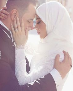 Image about girl in Bride / Wedding by Ariana Wedding Couple Poses Photography, Couple Photoshoot Poses, Couple Posing, Wedding Photoshoot, Muslim Nikah, Muslim Brides, Islam Muslim, Muslim Dating, Muslim Women