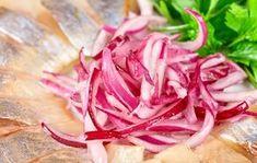Marinoitu punasipuli Daily Meals, Coleslaw, Cabbage, Food And Drink, Vegan, Vegetables, Recipes, Anna, Sheet Cakes