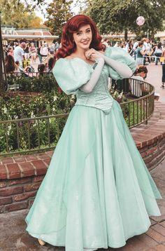 Disney World Princess, Disney Princess Makeup, Disneyland Princess, Disney Princess Dresses, Disney Dresses, Ariel Disney World, Disney Characters Costumes, Disney World Characters, Disney World Florida