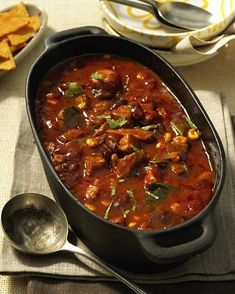 Fiery Oven Chili Pot Recipe DELICIOUS- Our popular recipe for fiery chilli pot from the oven and more than other free recipes on LECKER. Easy Soup Recipes, Pork Recipes, Crockpot Recipes, Chicken Recipes, Dinner Recipes, Cooking Recipes, Free Recipes, Drink Recipes, Law Carb