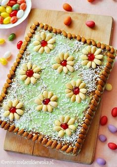 Mazurek – Polish Easter Cake - This looks so good. The English translation is a little rough, but I'm going to give it a try! Easter Dinner, Easter Brunch, Delicious Desserts, Dessert Recipes, Polish Easter, Polish Recipes, Polish Food, Holiday Cakes, Pastry Cake