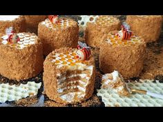 Medovik Recipe, Russian Honey Cake, South African Recipes, Cake Photography, Russian Recipes, Curry Recipes, Fritters, Gingerbread, Deserts