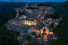 Ragusa Sicily, Grand Canyon, Italy, Mansions, House Styles, Places, Nature, Travel, Fantasy