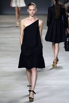 Chloé Spring 2006 Ready-to-Wear Collection Photos - Vogue