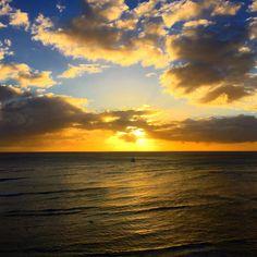 「今日も1日無事に平和に過ごせました! ハワイに帰って来て改めてハワイの良さが分かりました!有難うです! ハワイに感謝!」