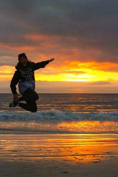 Jump jump jump in the sunset! #lofoten #perfect #life