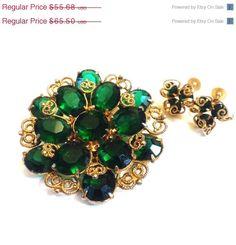 Vintage Juliana Brooch Emerald Rhinestones with married earrings