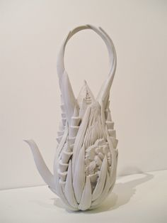 Kyoko Tokumaru 963 born in Tokyo, Japan 1992 MFA from Tama Art University Graduated School (Major :Ceramic) Competition a. Pottery Teapots, Teapots And Cups, Ceramic Teapots, Ceramic Pottery, Ceramic Art, Teapots Unique, Tea Pot Set, Tea Art, Chocolate Pots