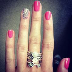 Shellac nails & and a chunky ring.