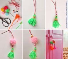 Pompom and tassel Pom Pom Crafts, Yarn Crafts, Diy And Crafts, Crafts For Kids, Arts And Crafts, Craft Tutorials, Diy Projects, Diy Keychain, Keychains