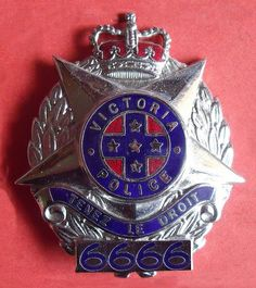 BADGE - Australia - VIC - Victoria Police (obsolete) cap badge large points