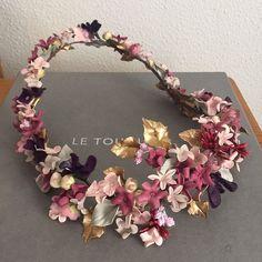 Baby Flower Crown, Veil Hairstyles, Crystal Headband, Floral Headpiece, Head Pieces, Diy Hair Bows, Head Accessories, Pretty Art, Bridal Headpieces